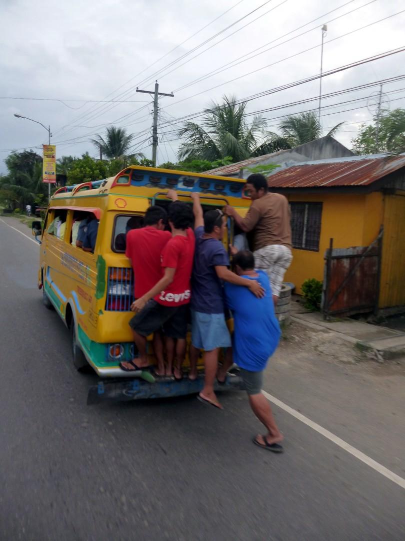 paikallisbussi, kai tonnekkin vielä joku mahtuisi