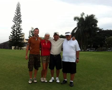Andrew, Sari, Kari ja Peter
