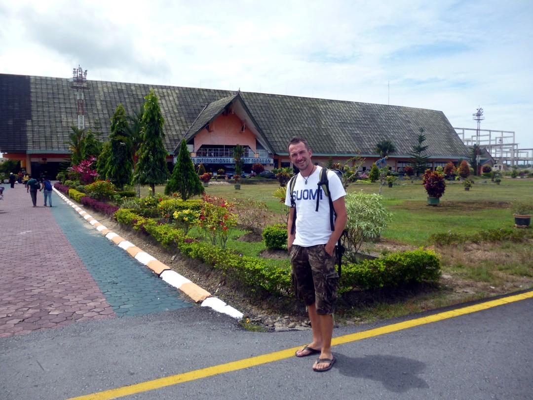 Navetta? Eikun moderin indonesialainen lentoasema!